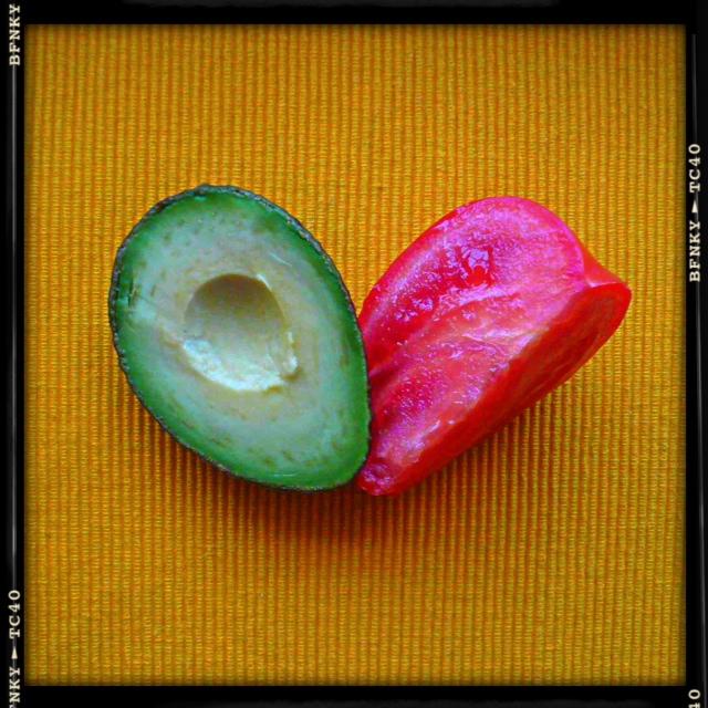 avocado and tomato ideal couple