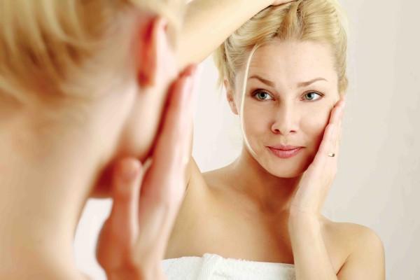 anti-age cosmetic woman lr