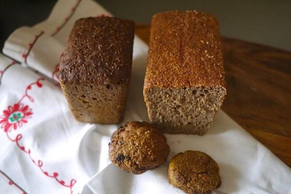 Pekarnia Kolxoz hleb bread cookies 1
