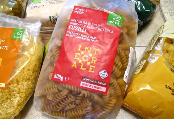 Organic pasta packed 05