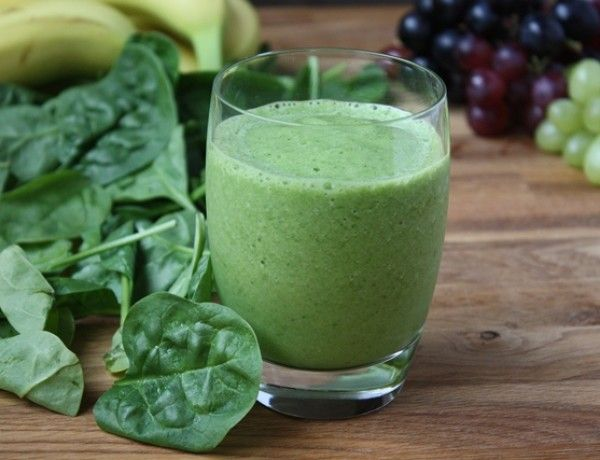 Spinach-green-Grape-Smoothie-2-small-600x460