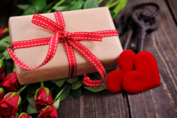 valentines-gifts-for-her (1)