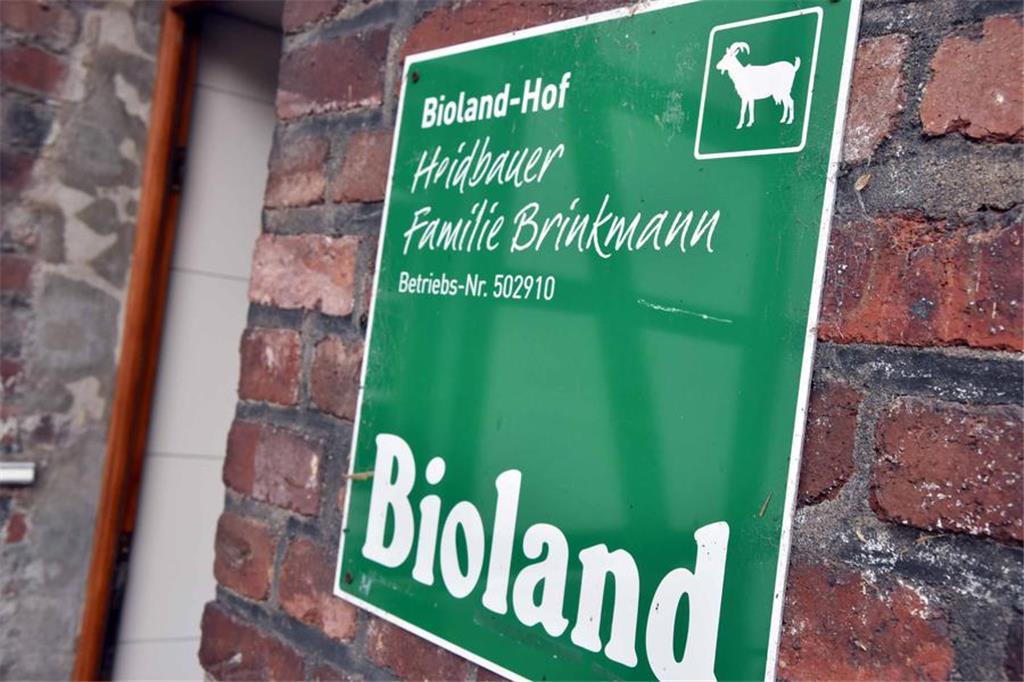 Bioland-Hof-heisst-Dieser-Hof-unterliegt-strengsten-g1340235