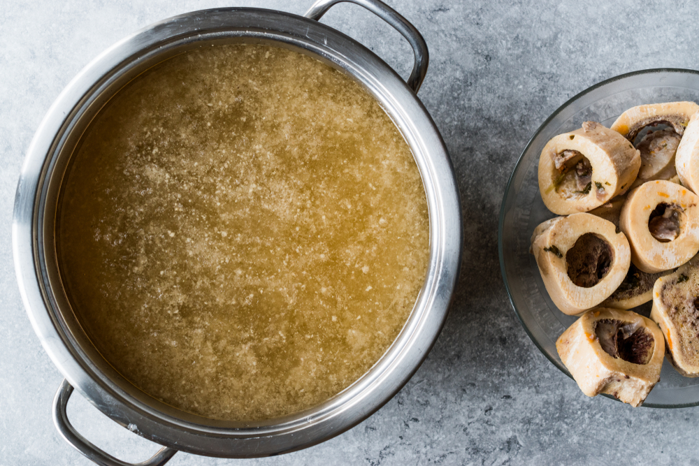 kostniy bulyon bone broth kosti goviadina miaso sup soup