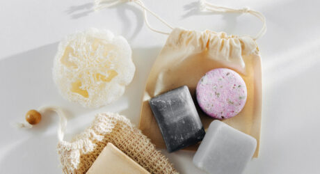 tverdaya kosmetika i shampoo ekologichnee