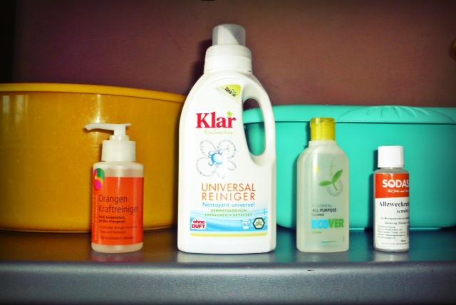 Все испытуемые экосредства для уборки разбавляются водой