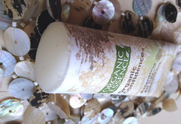 organic essense dezodorant vnutri