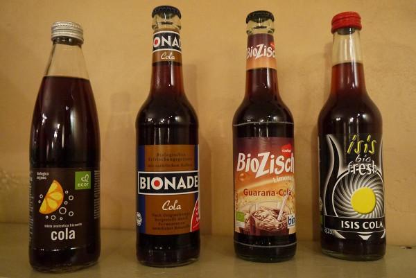 organic cola text