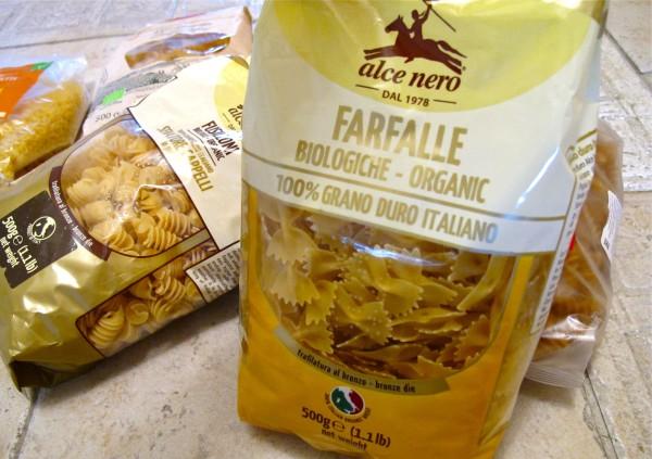Organic pasta packed 07