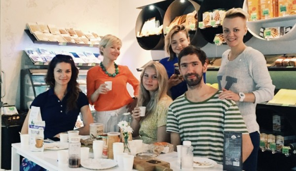 Слева направо: Елена Харламова, Татьяна Лебедева, Аля Самохина, Наталья Гладыш, Иван Дубков, Светлана Аверина