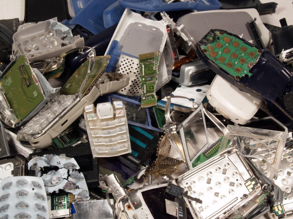 broken gadgets, svalka