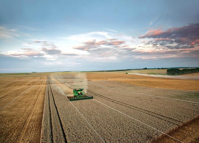 Техника для органического хозяйства - это не мотыга и плуг, а интеллектуальные тракторы чуть ли не с системой навигации