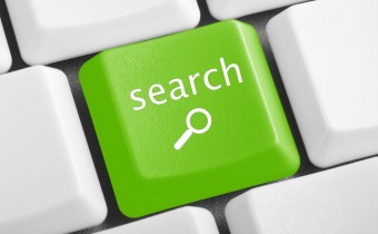 green-search-button-on-the-white-keyboard