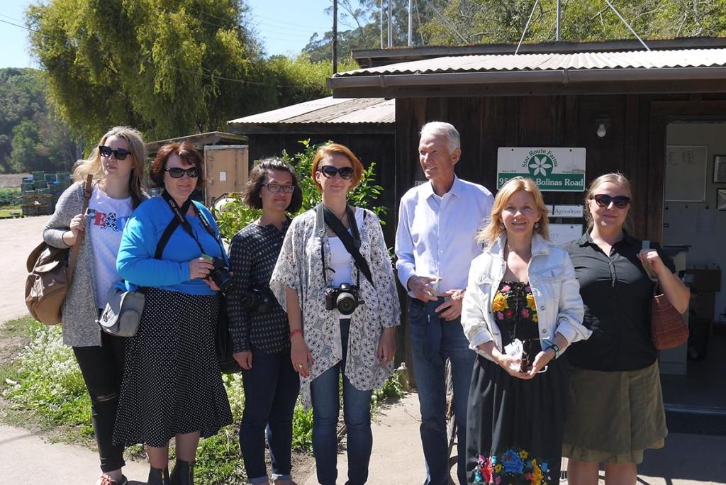 Группа российских агрожурналистов в гостях на Star Route farm