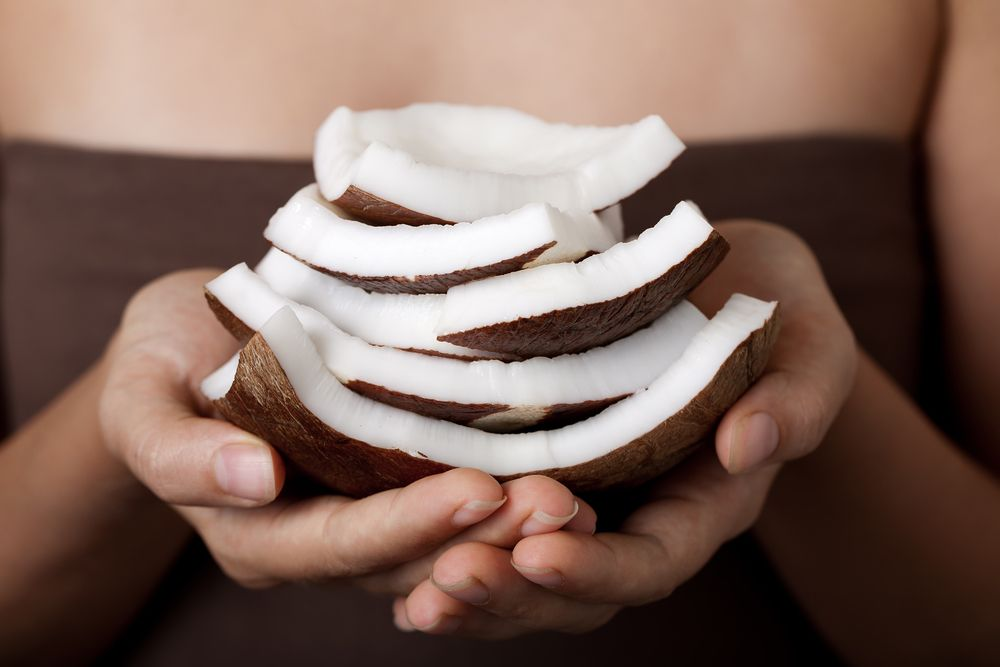 coconut-on-hands-spa-collection