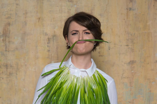 Natalia Guseva with green onion zeleniy luk lookbio photoshoot
