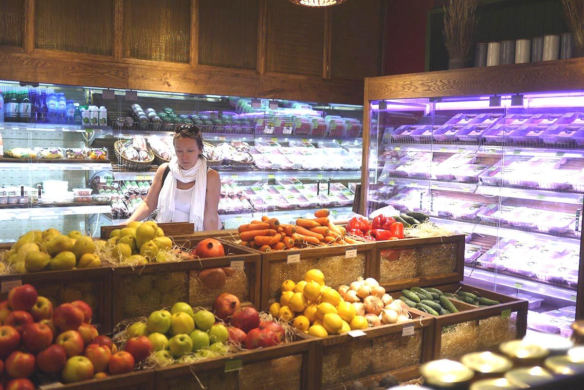 ugleche pole organic market 5