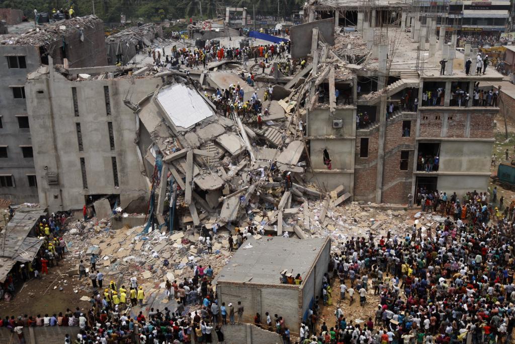 Разрушение фабрики по пошиву одежды. Бангладеш, Рана Плаза, апрель 2013 (PH: Jaber Al Nahian)