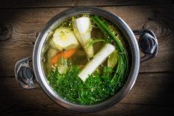 soup sup bulyon ovoshi kastrula