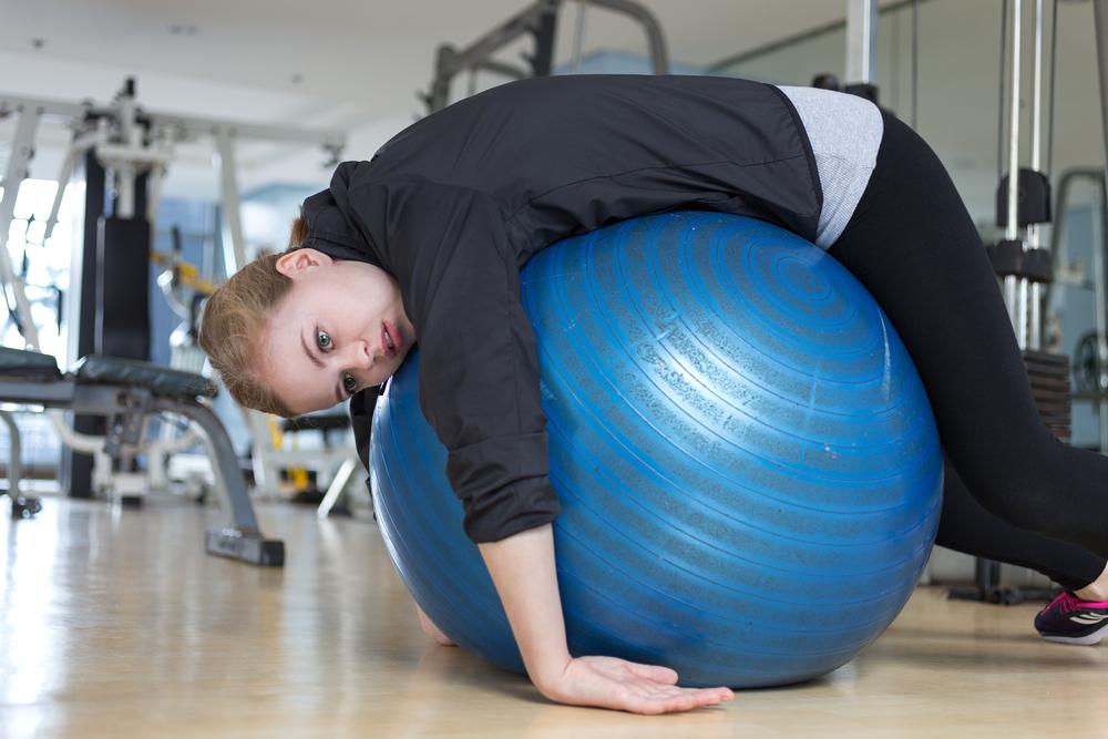 fitball gym myach ustalost sport sportzal zhenshina